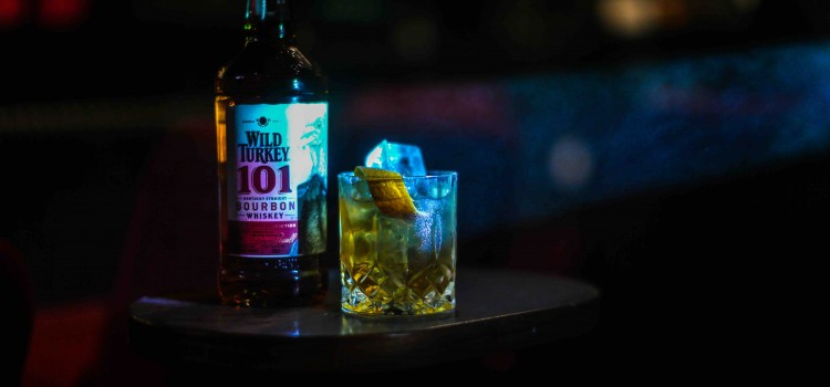 WATCH SICARIO 2: SOLDATIO WITH A WHISKEY OLD FASHIONED