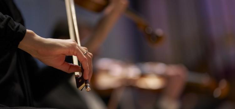 LIVE MUSIC RETURNS TO LEEDS TOWN HALL